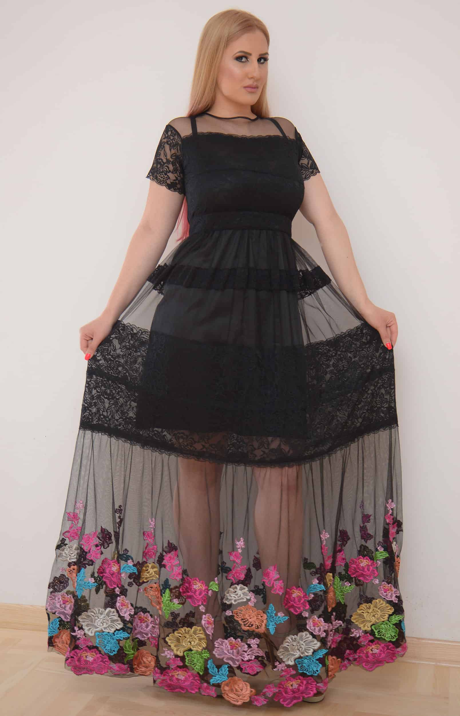 Iznajmljivanje haljina Nis - Arte e Moda - Rent A Dress Nis