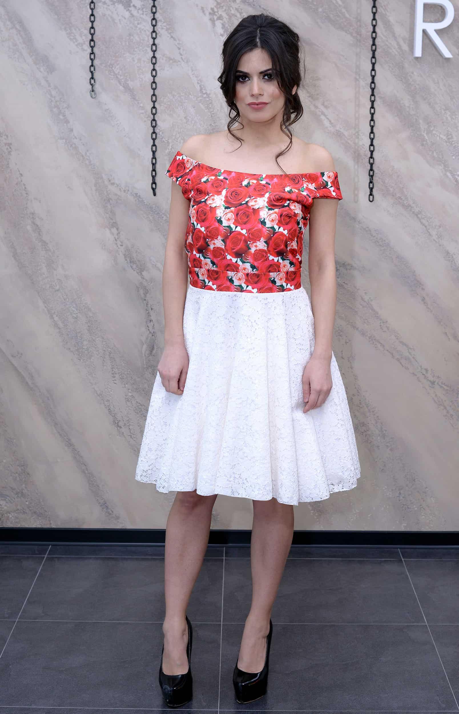 Iznajmljivanje haljina Nis - Cache Oh Valencia - Rent A Dress Nis